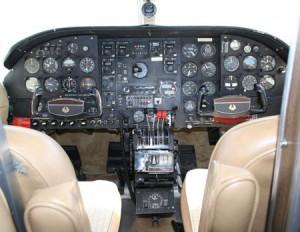 421A-cockpit